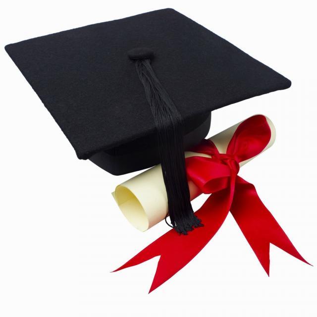 صور التهنئة بالتخرج من الكلية  (10)