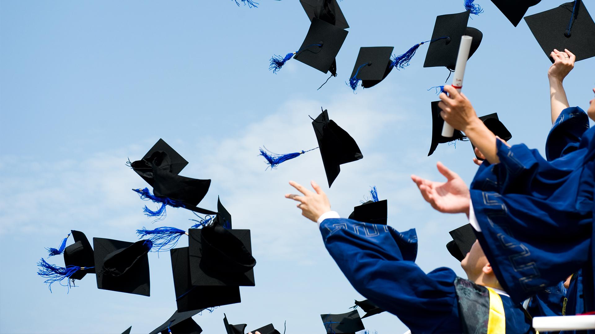 صور التهنئة بالتخرج من الكلية  (14)
