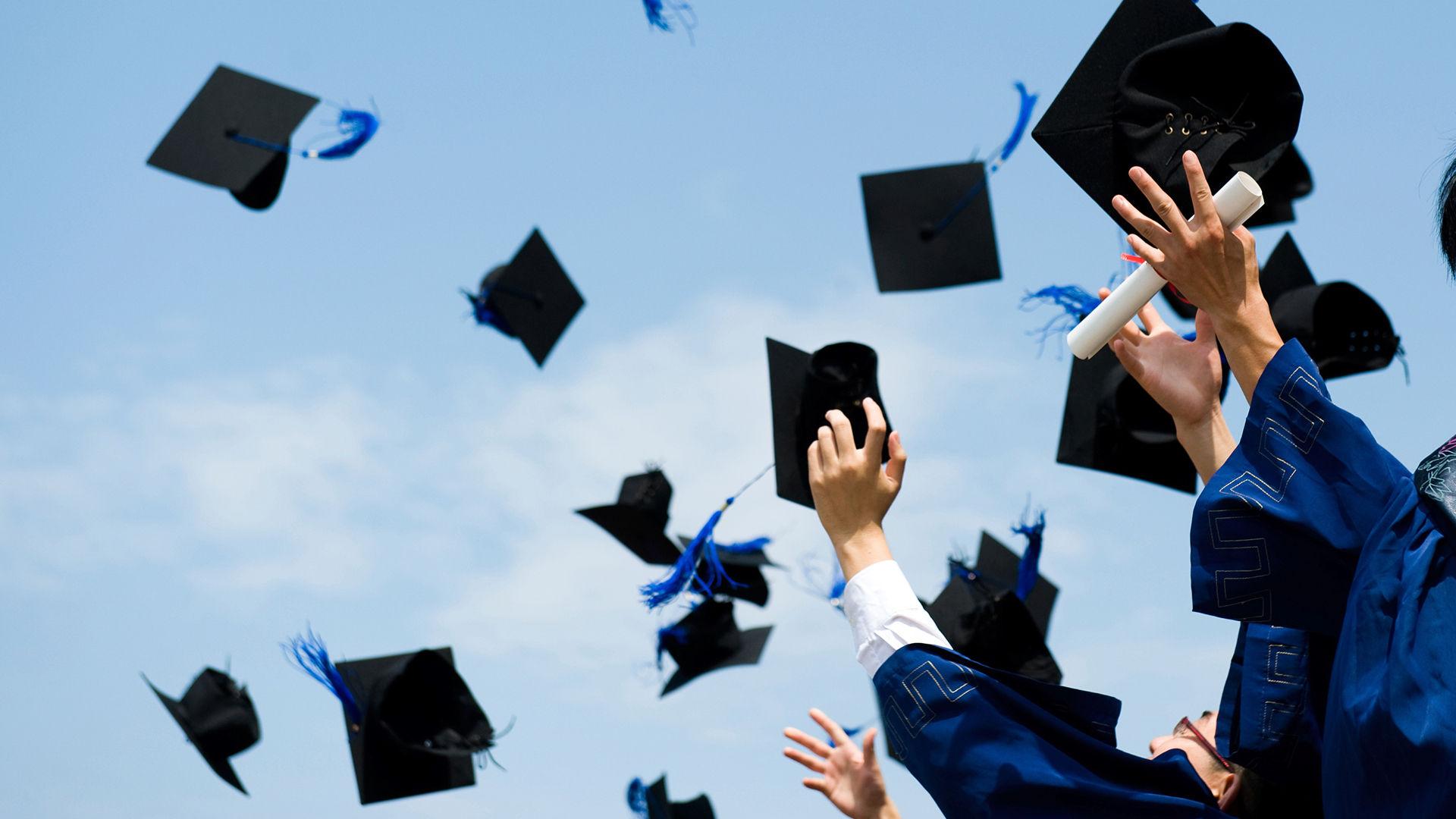 صور التهنئة بالتخرج من الكلية  (7)
