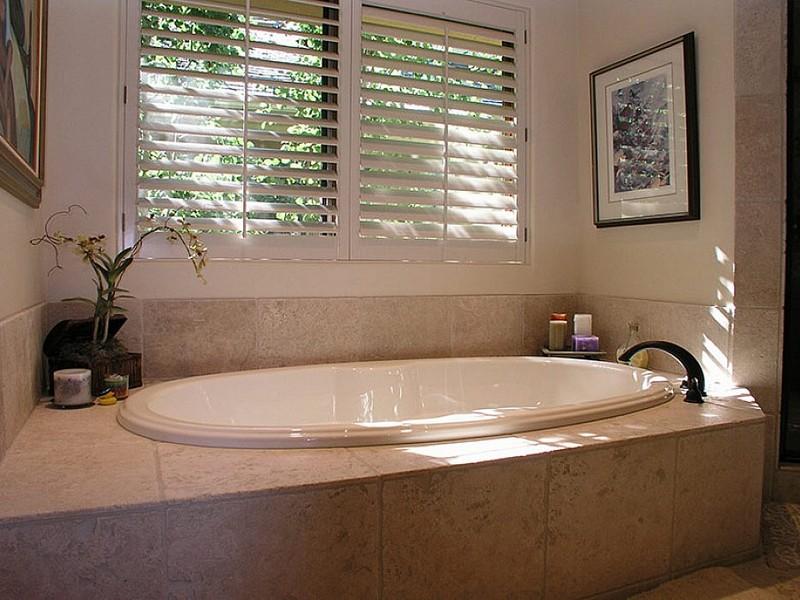 صور حمامات جاكوزي فخمة مودرن شيك للفلل والقصور (40)