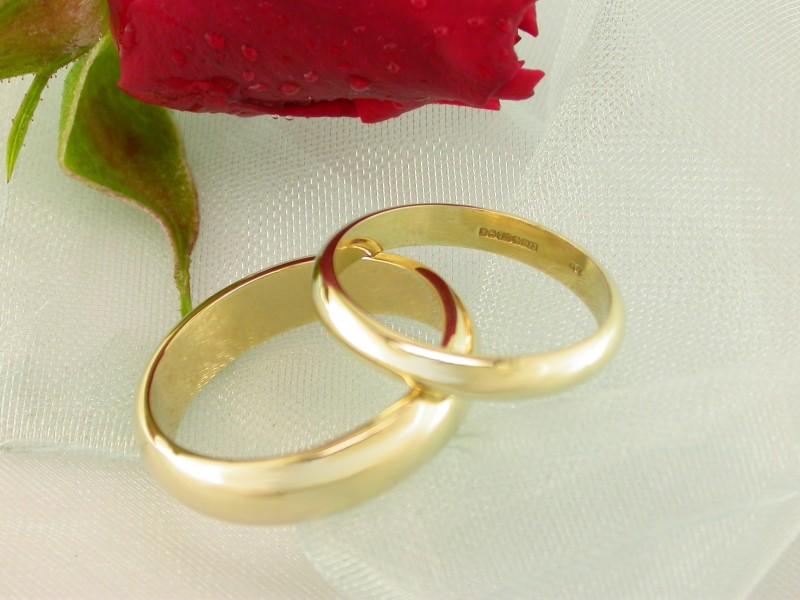 صور خواتم زواج ذهب والماس فخمة مودرن شيك (21)