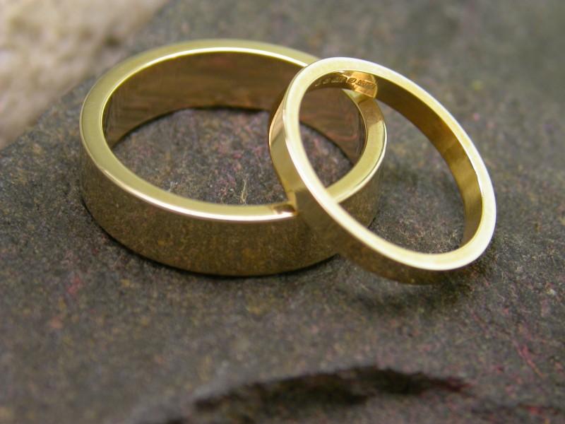 صور خواتم زواج ذهب والماس فخمة مودرن شيك (22)