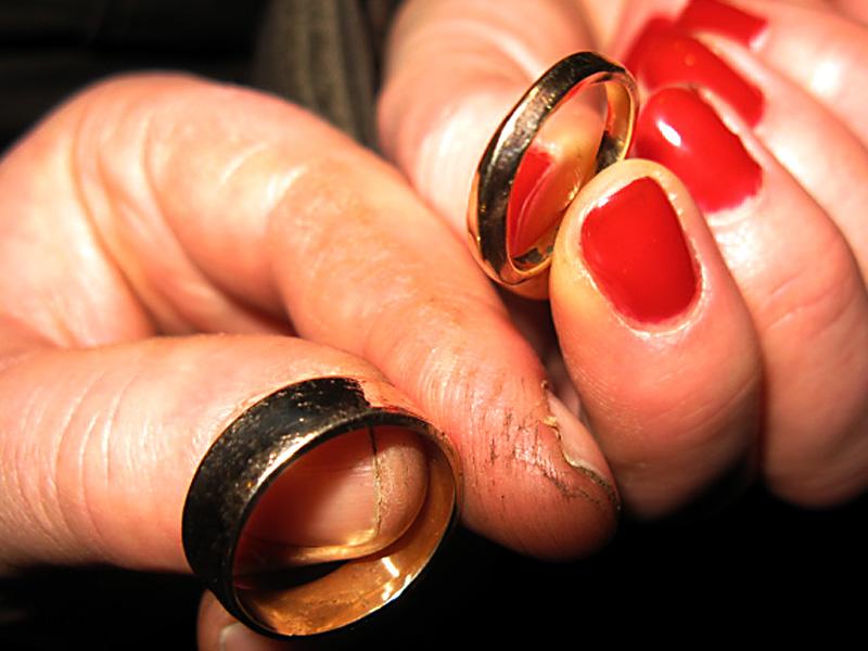 صور خواتم زواج ذهب والماس فخمة مودرن شيك (26)