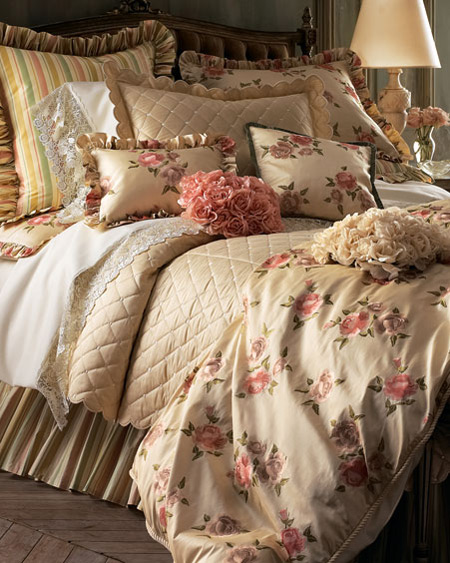 : سرير نوم عرسان : سرير