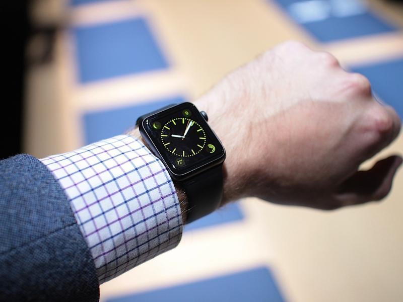 صور ساعات ذكية للهواتف موديلات ابل واندرويد (4)