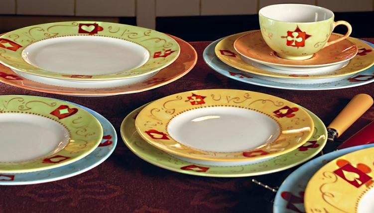 صور اطباق وصحون تقديم ملونة وسادة مودرن شيك (24)