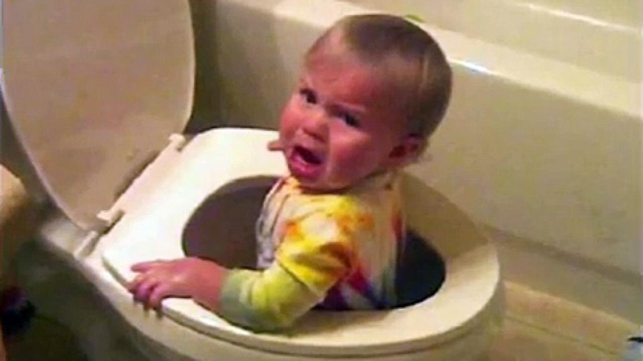 صور اطفال مضحكة جميلة وجديدة رمزيات وخلفيات ضحك (25)