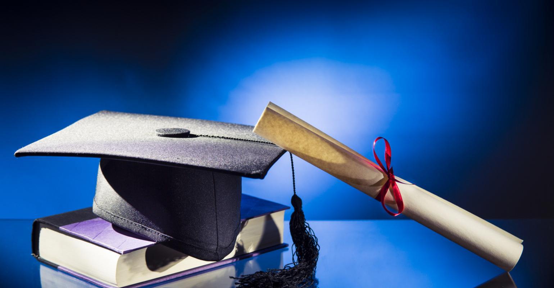 صور التهنئة بالتخرج من الكلية  (26)