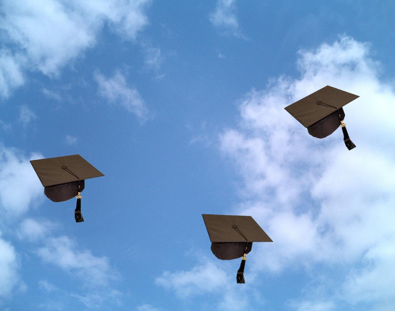 صور التهنئة بالتخرج من الكلية  (6)