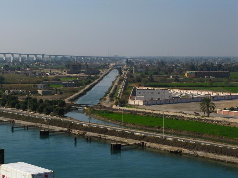 صور قناة السويس الجديدة والقديمة صور عن القناة (28)