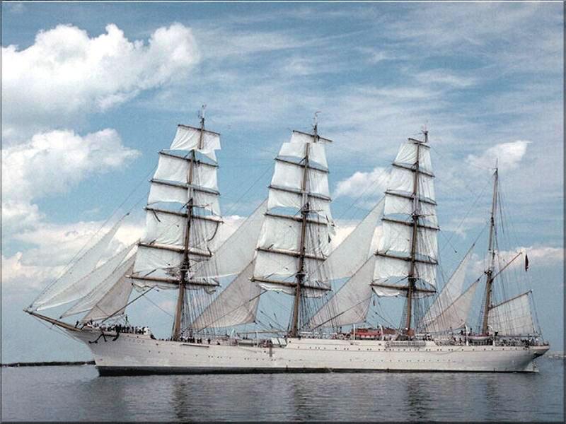 صور تصميمات سفن ضخمة جديدة احلي سفن العالم (9)