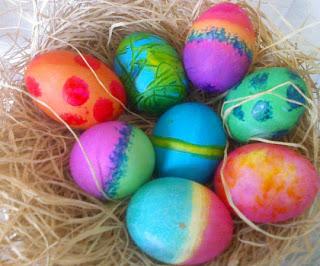 صور بيض ملون لشم النسيم طريقة تلوين البيض (23)