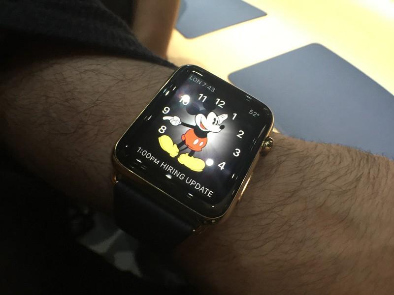 صور ساعات ذكية للهواتف موديلات ابل واندرويد (2)