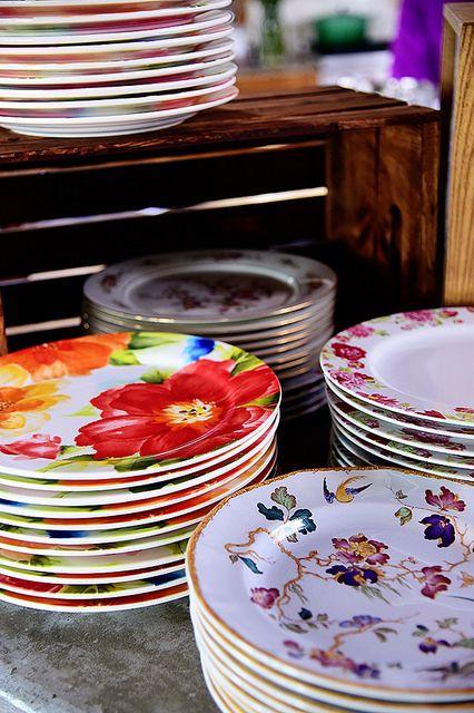 صور اطباق وصحون تقديم ملونة وسادة مودرن شيك (7)