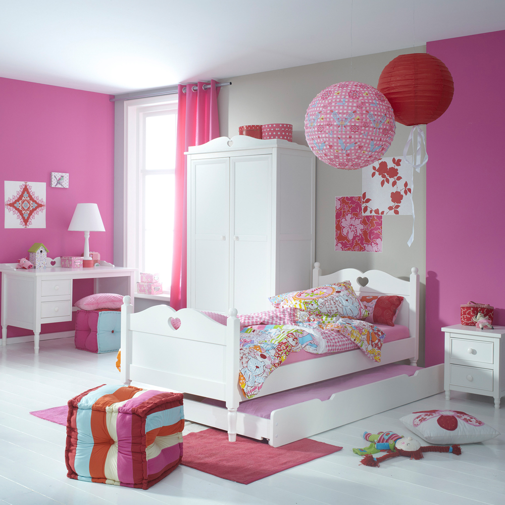 Modern Playroom Wallpaper
