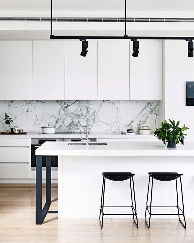 24 Ideas Of Modern Kitchen Design In Minimalist Style: ديكور مطبخ بسيط وغير مكلف ديكورات مطابخ بسيطة عصرية