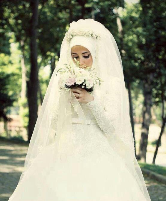c4eeb8a431538 صور فساتين زفاف احدث فساتين فرح محجبات 2019